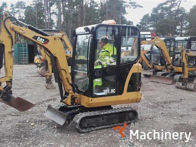 CATERPILLAR 301.8C mini ekskavatoriai 1-7 t.